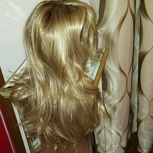 Blonde layered wig